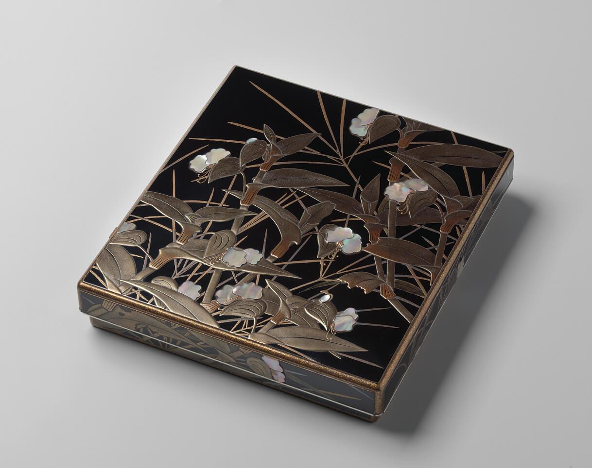 Furuyama Eiji (1889–1969), Schreibkasten 'Asiatic Dayflower' (1940), 4.2 x 21.5 x 23.5 cm, Privatsammlung Jan Dees & René van der Star